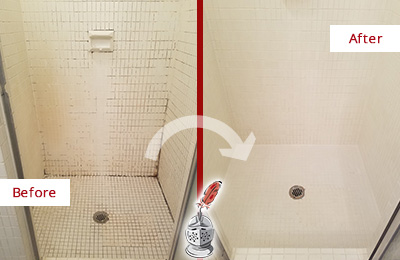 Before and After Picture of a Marina Squre Bathroom Grout Sealed to Remove Mold